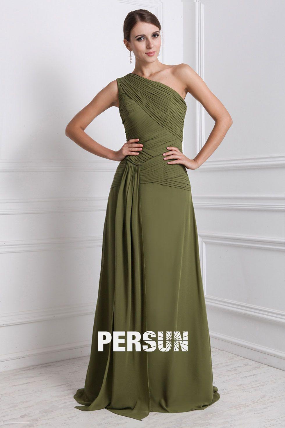 Over dress styles available. Robe mousseline longue encolure asymétrique  ornée de plissage oblique c817bbb97a2e