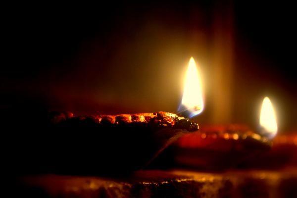 Twin Clay Lamps,Dipawali   CheckMySnaps