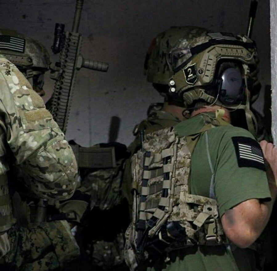 DEVGRU Operator during training | Military art | Navy seals