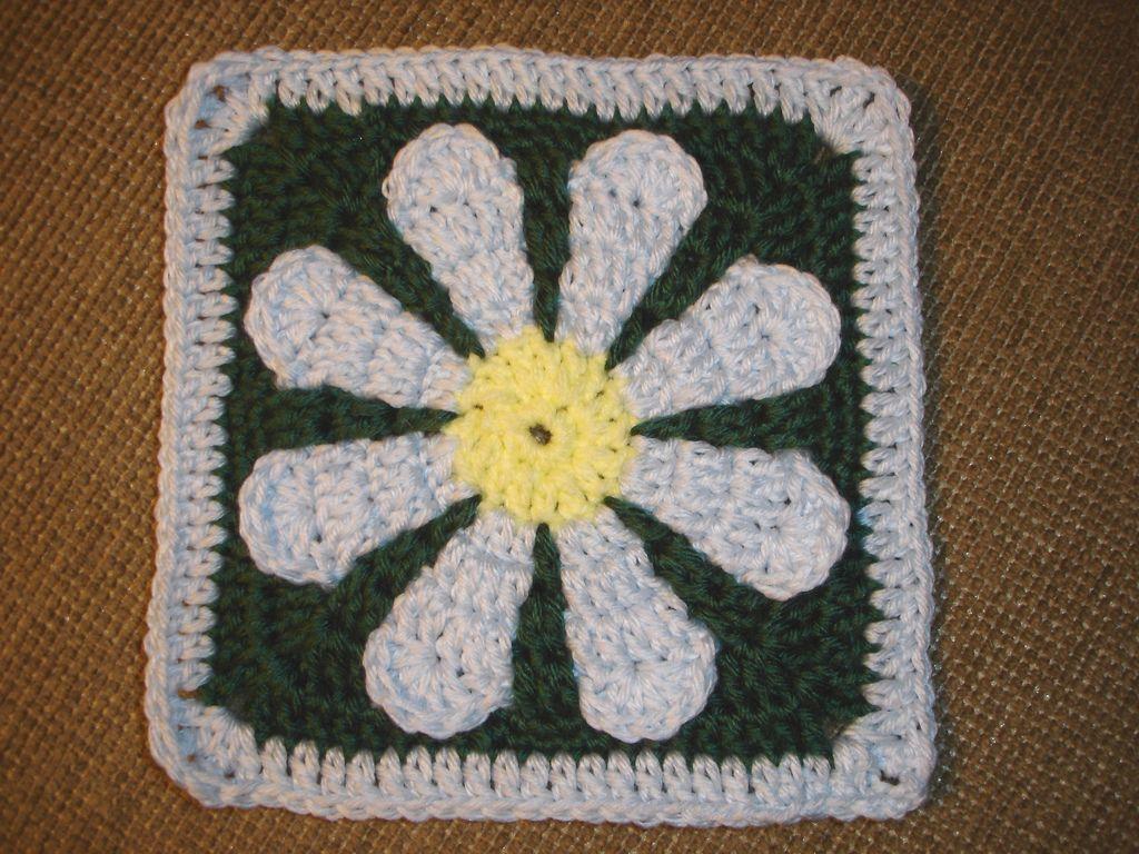 Daisy flower charity square pattern by krystal nadrutach flower crochet blankets ravelry daisy flower crochet charity square pattern izmirmasajfo