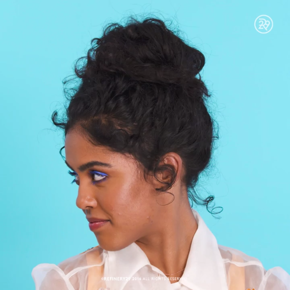 Get The Perfect Messy Bun Video Curly Hair Styles Hair Styles Hair