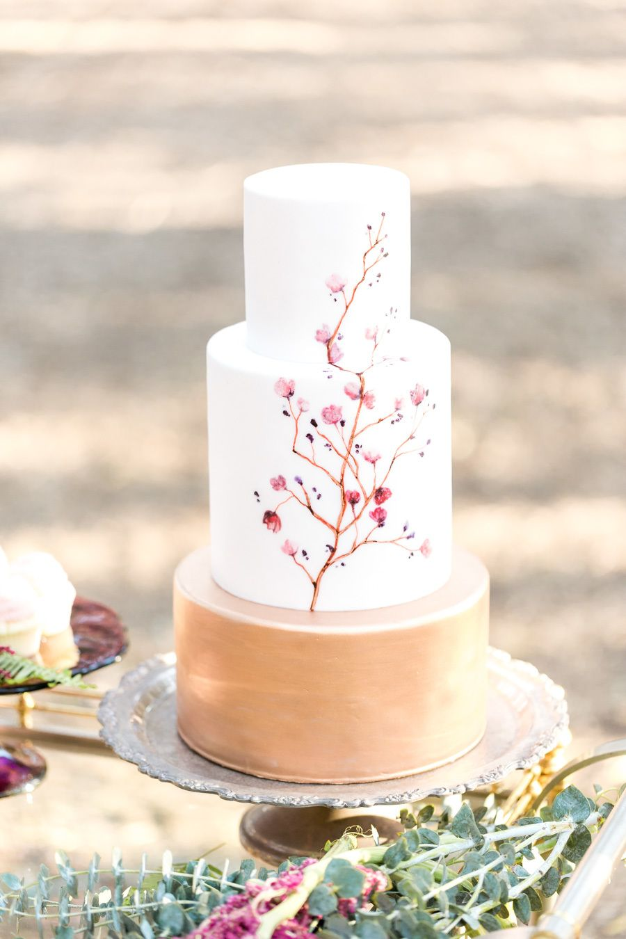 Style Me Pretty The Vault Burgundy Wedding Cake Wedding Cake Burgundy Gold Amazing Wedding Cakes