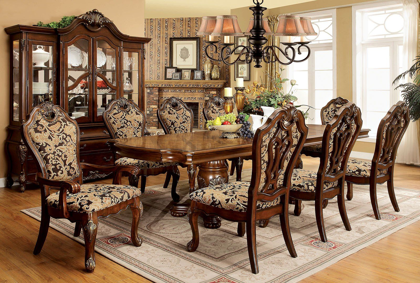 Vicente traditional oval table set