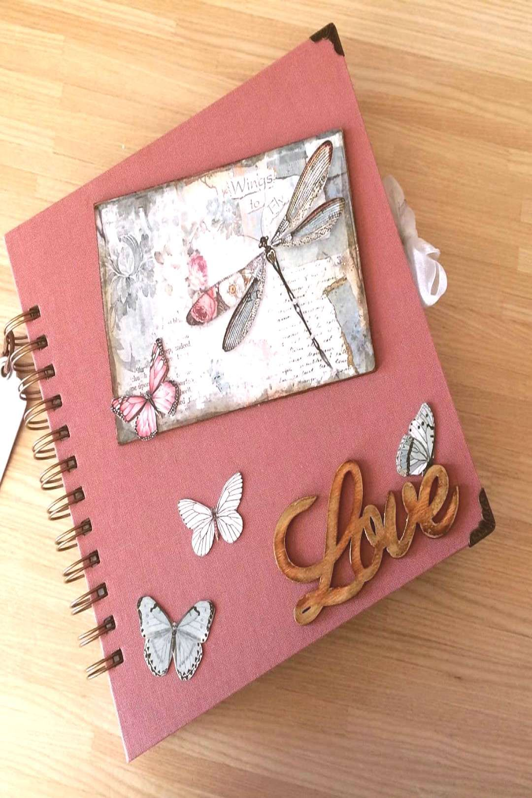 #encuadernacionartesanal #february #petite #272020 #album #hecho #mucho #photo #amor #love #arte #mari #con #by #on Album hecho con mucho amor!! #love #encuadernacionartesanal #arteYou can find Cr...