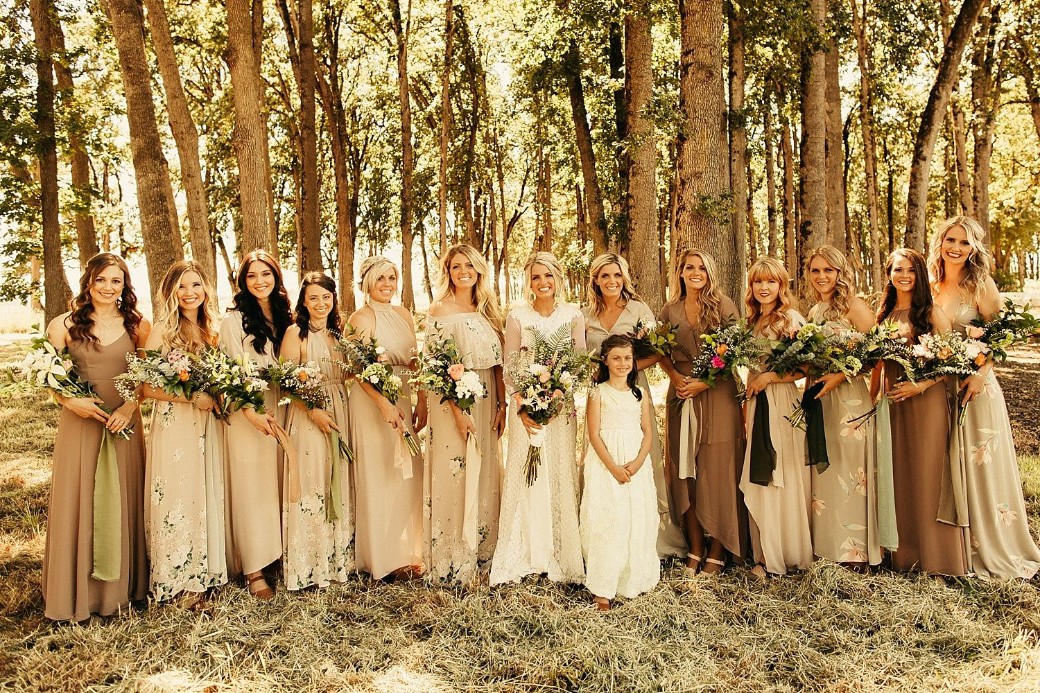 Dayton Backyard Rustic Wedding Dayton Or Hannah Luke Oregon Wedding Photographer Andie Avery Photogra Oregon Wedding Wedding Wedding Photographers