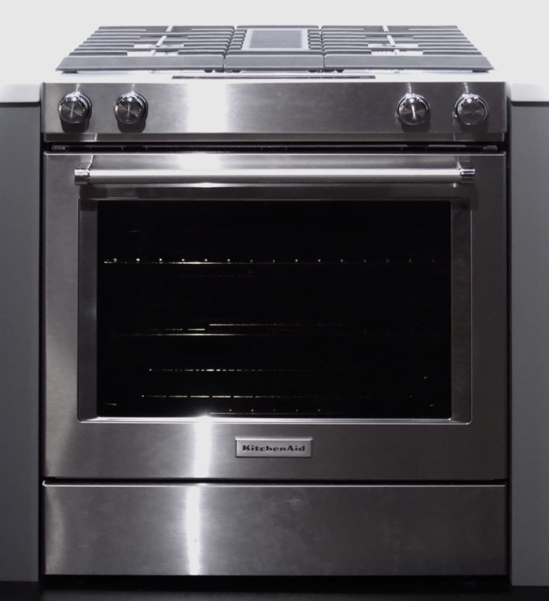 No Vent Required Kitchenaid Offers New Downdraft Ranges Kitchen Aid Farmhouse Kitchen Inspiration Kitchen Refresh