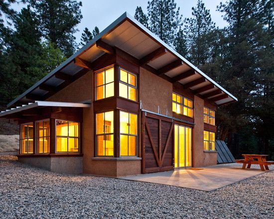 Chalk Hill Off Grid Cabin This 872 S F Off Grid Straw Bale Project Is A Getaway Home For A San Francisco Couple House Roof Building A House Straw Bale House