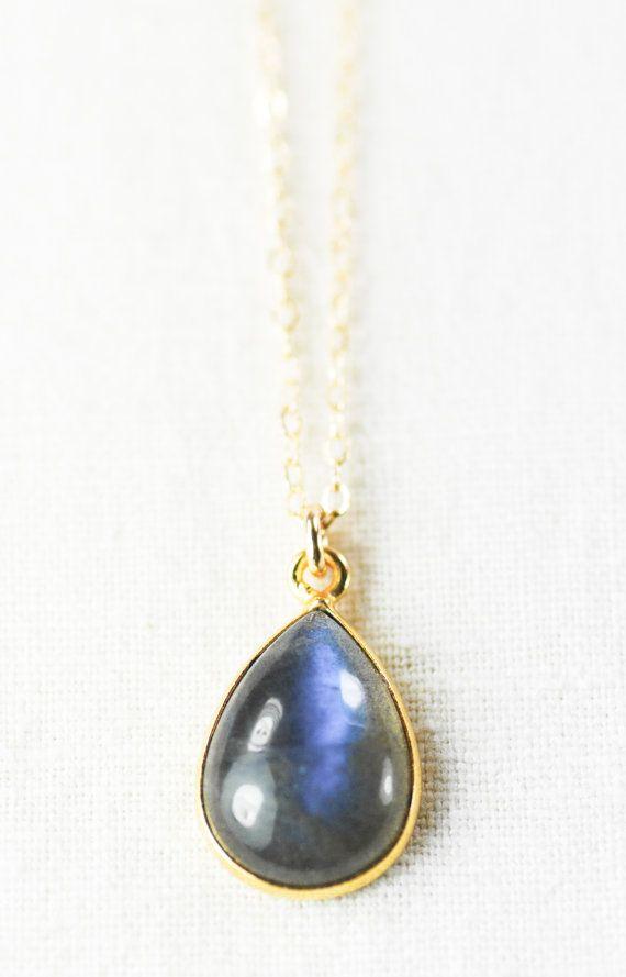 Kaiapo necklace gold chrysoprase pendant
