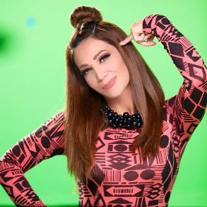 سناب شات انستقرام ديانا حداد مغنية لبنانية واحدة من أشهر المغنيات على الساحة العربية تشتهر بغناء موسيقي البوب باللون الشرقي Style Fashion Punk