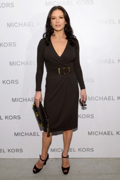 4a4a9dcb5 What to Wear if You Have an Apple-Shaped Figure - Catherine Zeta-Jones ©  Getty Images