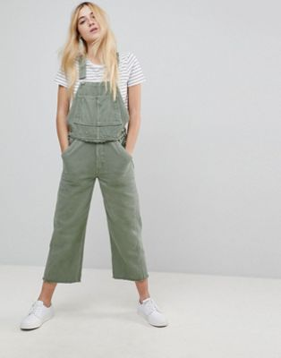 45360e7204e Model-Off-Duty Style  The White Utility Jumpsuit