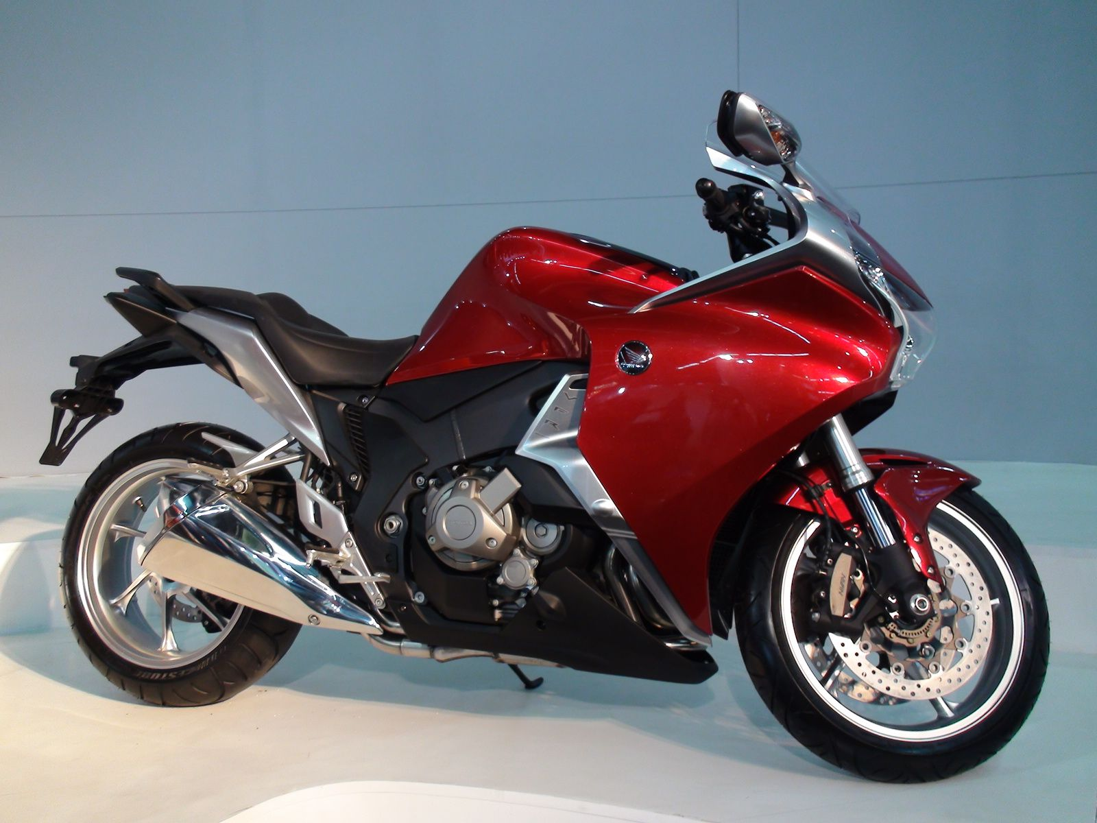 Honda S Automatic Motorcycle With Dual Clutch A Wish Worthy Bike Motorcycle Bike Bike News