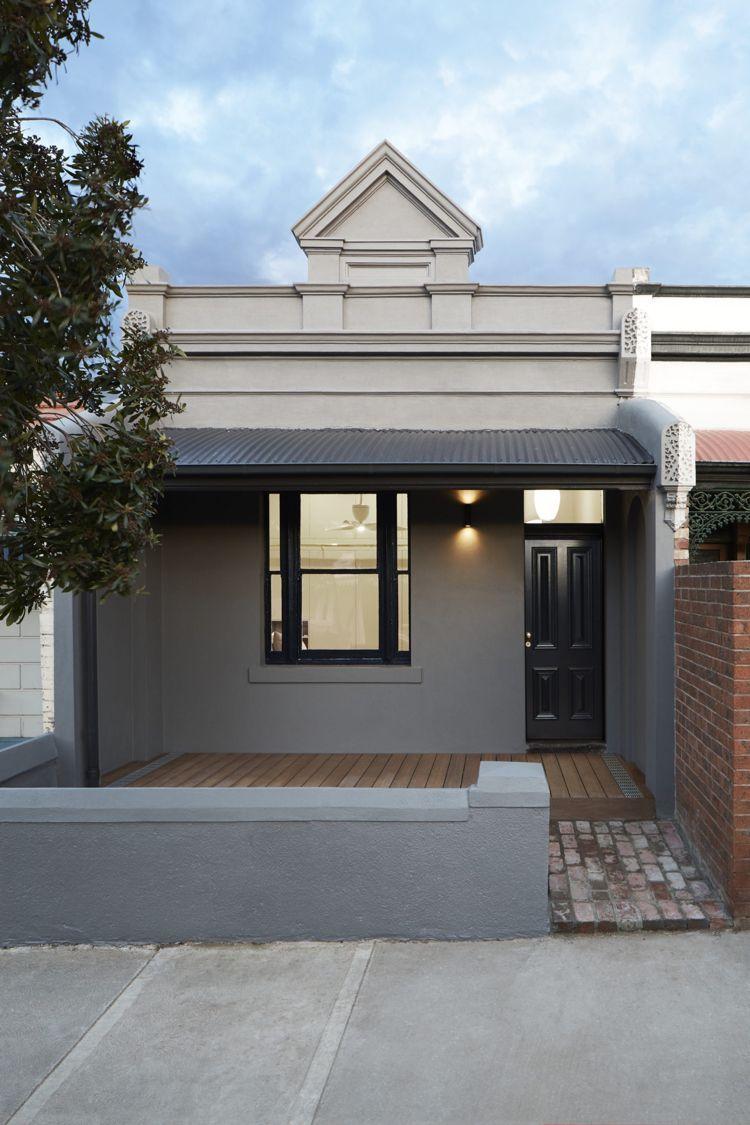 viktorianisches haus renovierung fassade grau haustür schwarz ...