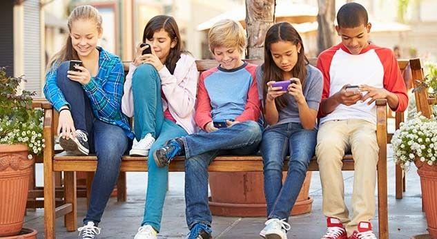 Grupos de whatsapp de mamás: un mal necesario?