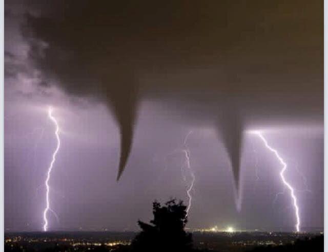 StormChaser shot from Bridgeport, TX, Tuesday night - 5-19-15