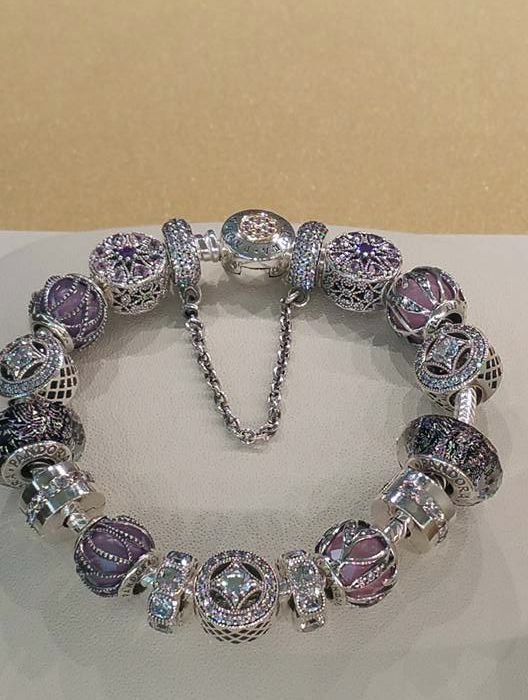Women S Fashion Runway Pandora Street Styles Jewelry Outfits Beautiful Online Womensfashion Design Your Own Photo Charms