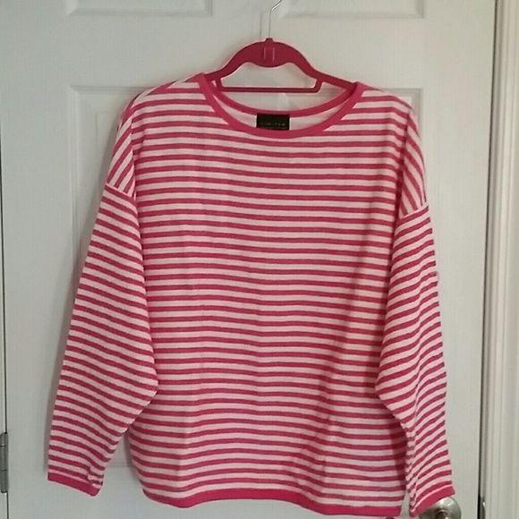 pink/white sweatshirt still looks great Limited Tops Sweatshirts & Hoodies
