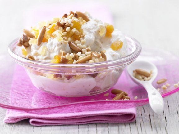 Cremiger Früchtequark: Als leichtes Frühstück, üppiges Dessert oder fruchtige Zwischenmahlzeit! Dieser Früchtequark macht stark.