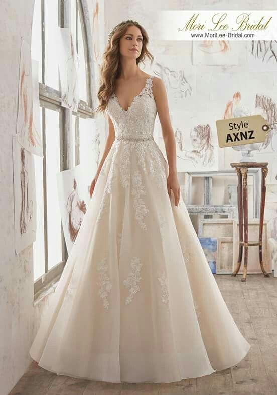 Pin von Lizzy Rodriguez auf Outfits | Pinterest | Hochzeitskleider ...