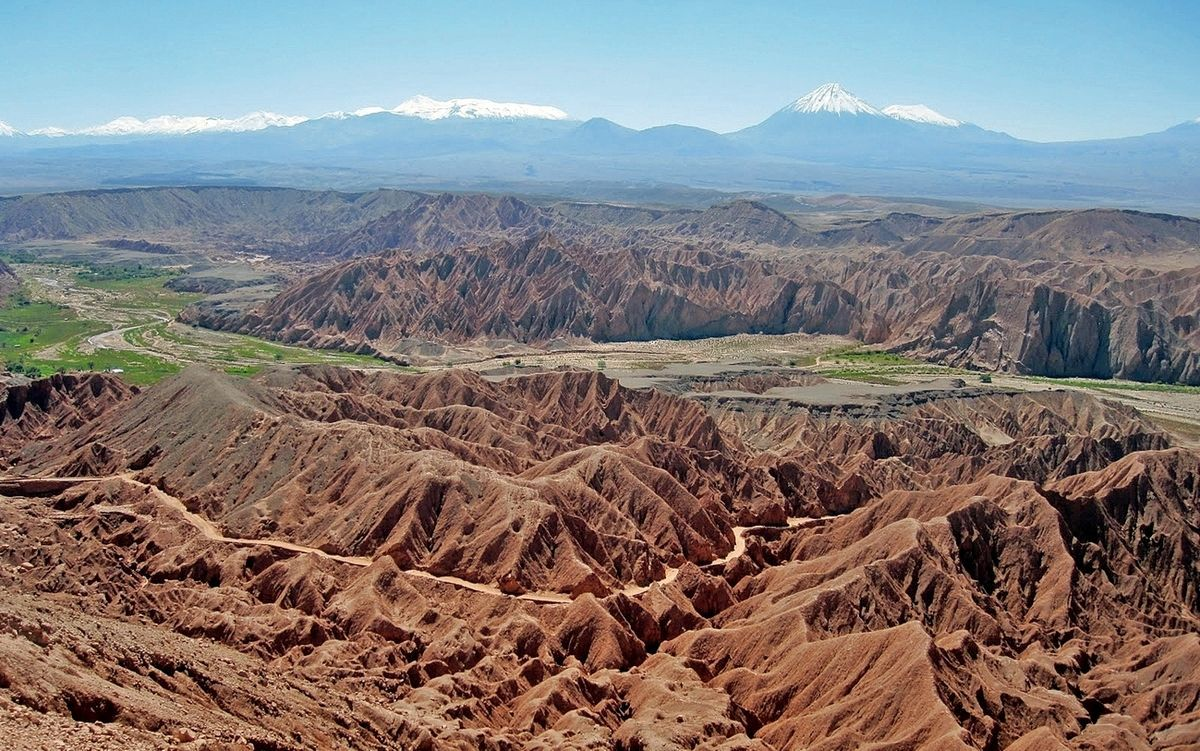 Atacama pripomína mesačnú a neobývanú krajinu.