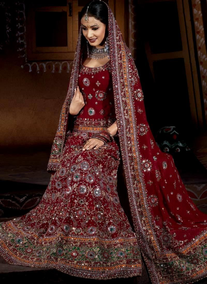 70+ Traditional Indian Wedding Dress - How to Dress for A Wedding ...