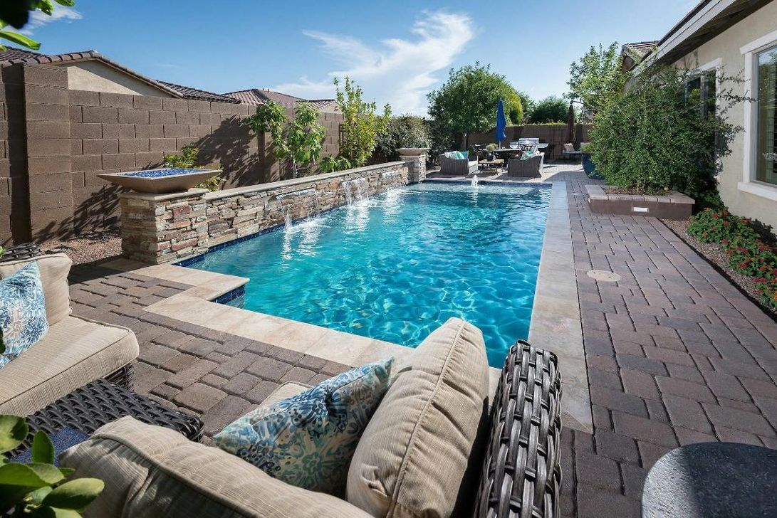 47 Excellent Small Swimming Pools Ideas For Small Backyards Backyard Pool Landscaping Backyard Pool Small Backyard Pools