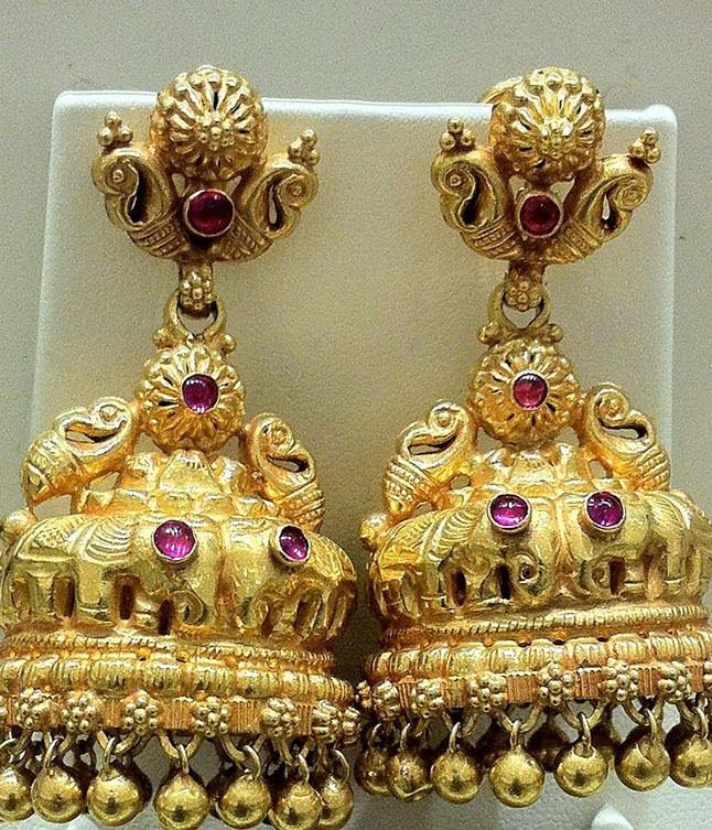 Traditional Gold Jhumkas ~ Latest Jewellery Designs | goold jumka ...