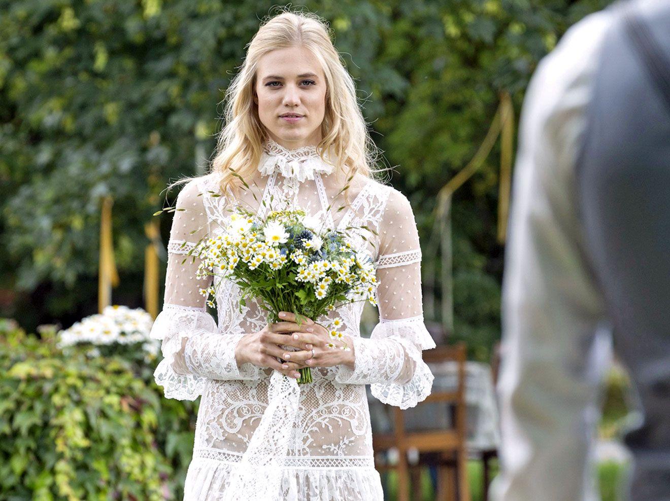 Sturm Der Liebe Hochzeit Geheimnis Um Alicias Kleid Geluftet Sturm Der Liebe Sturm Kleid Hochzeit