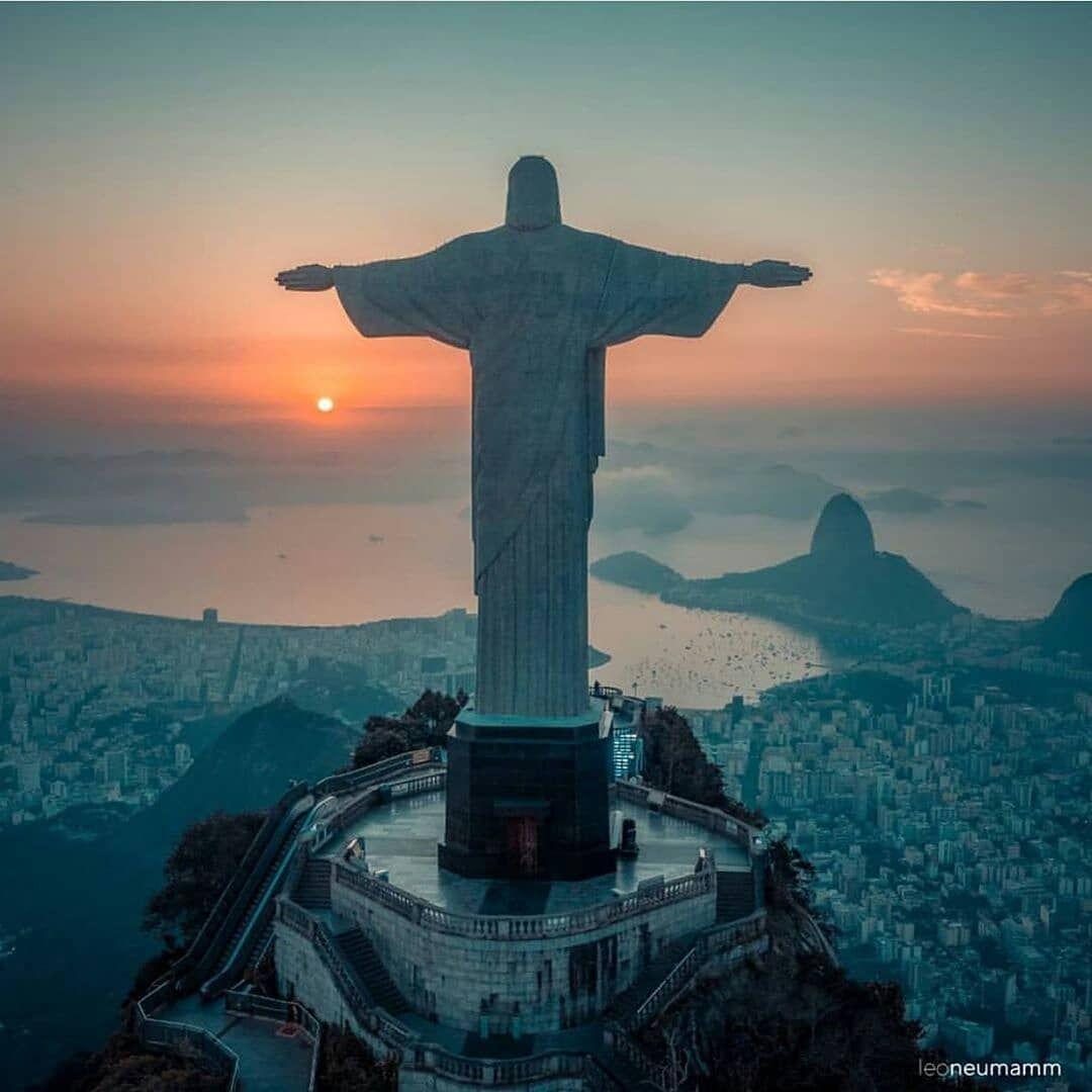 Rio De Janeiro Brazil On Instagram Cristo Redentor Corcovado Corcovado Morrodoisirmaos Leme Rocin Em 2020 Cristo Redentor O Turista Rio De Janeiro