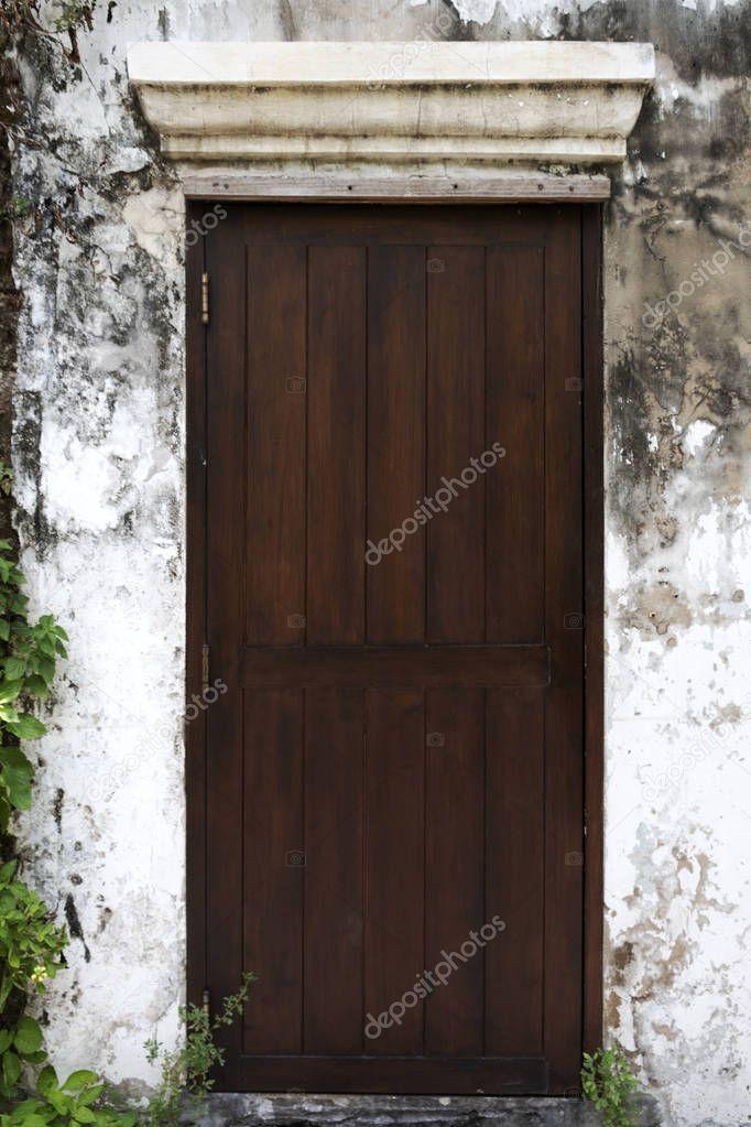 Photo of Gamle tre dører vegger Old House – Stockfoto, #Aff, # Walls, #Doors, #Wooden, …