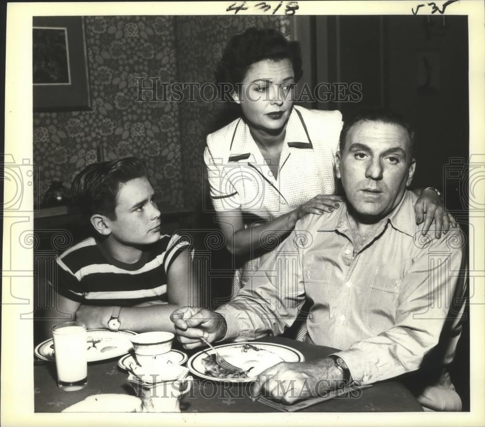 """Gordy Movie Cast for 1954 press photo cast of """"life of riley"""" starring william bendix"""