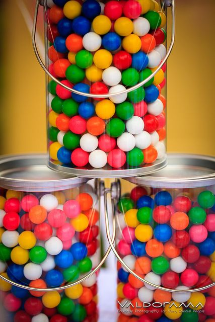 Gumball Party Favors in Paint Cans #gumball #partyfavors