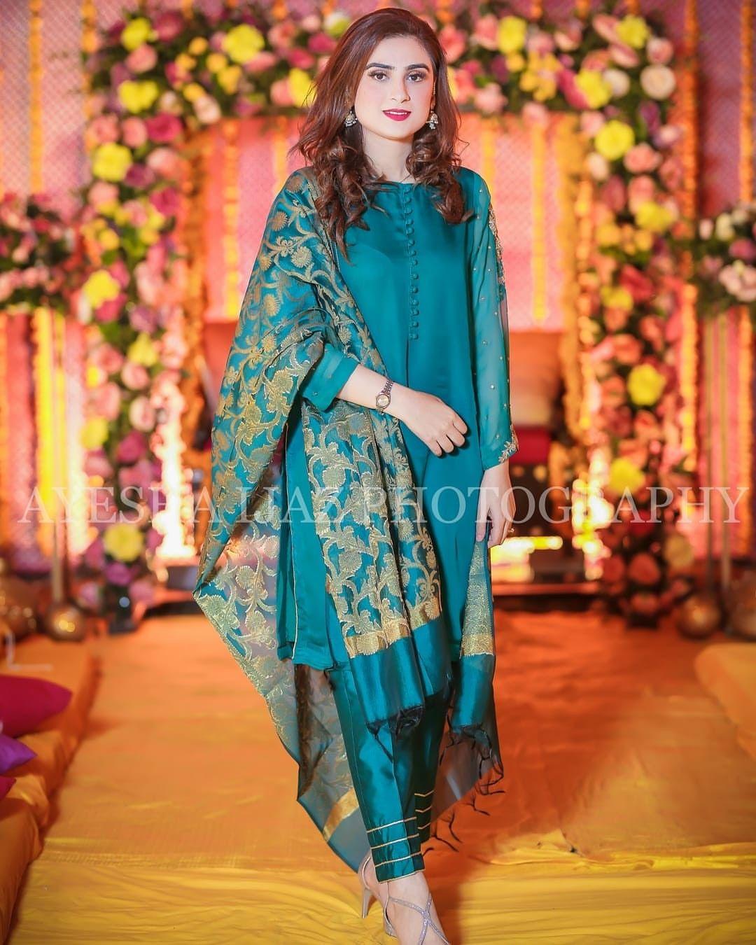 Pin By Aisha On Pakistani Wedding Outfits Pakistani Party Wear Dresses Pakistani Fashion Party Wear Stylish Dresses For Girls