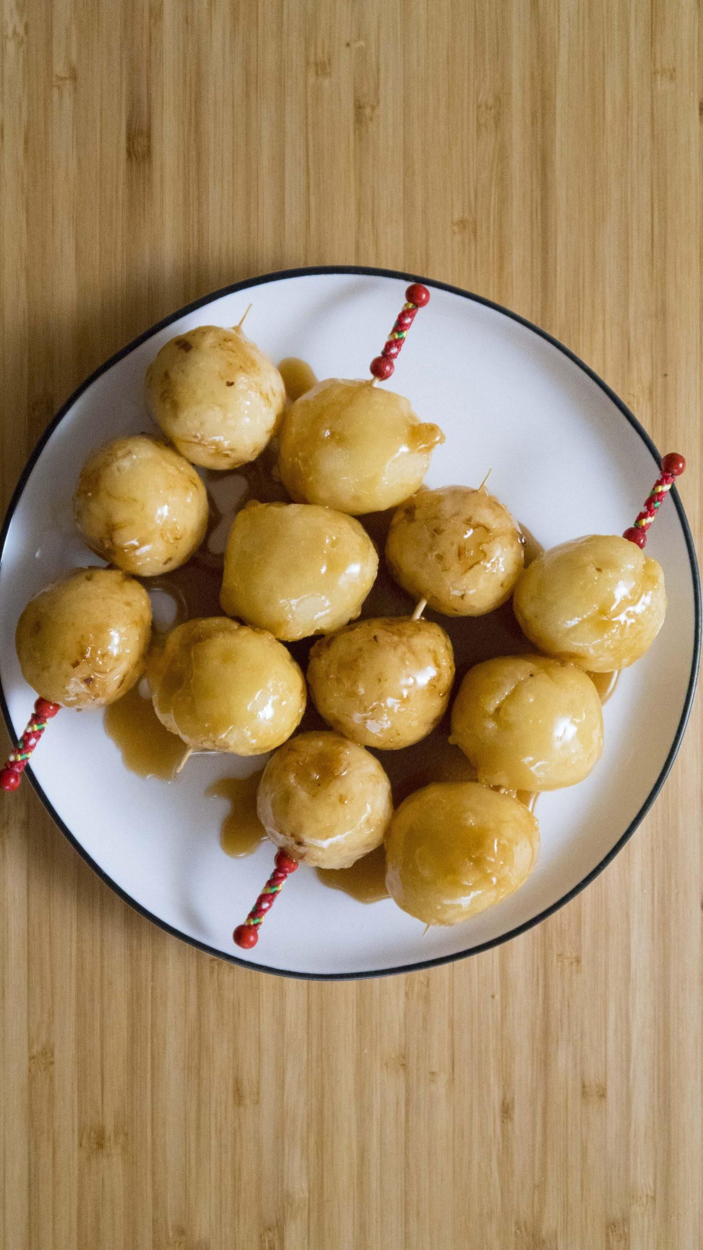 Filipino Carioca (Fried Sweet Rice Balls) - Filipino ...