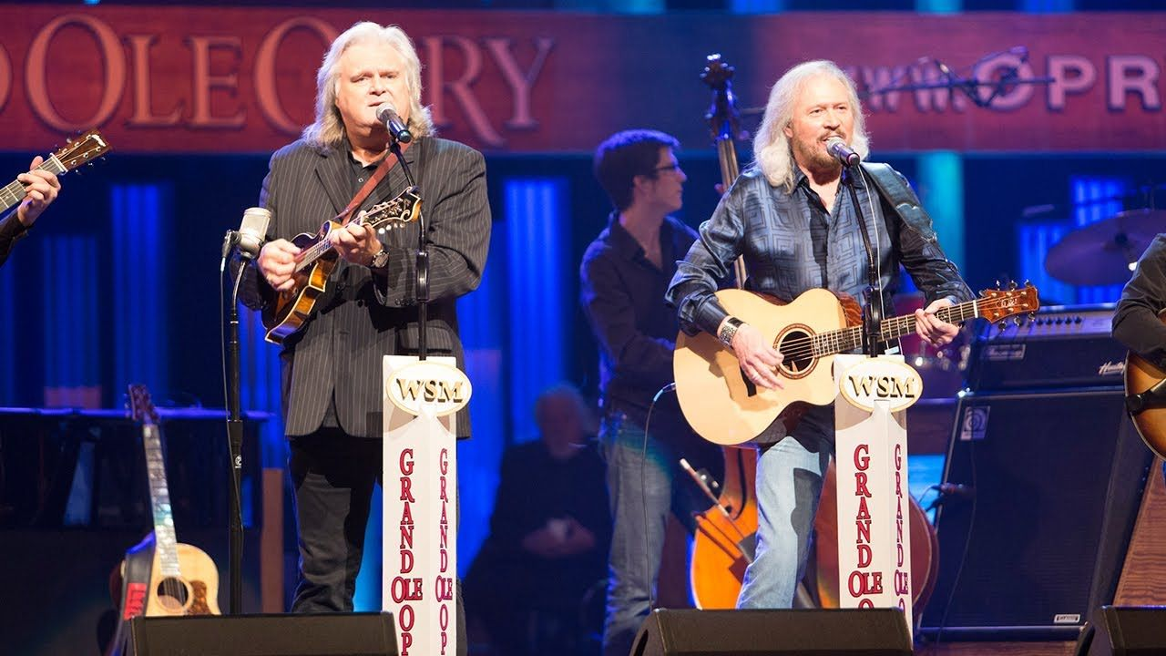 Barry Gibb Ricky Skaggs When The Roses Bloom Again Live At The Gra Country Music Stars Entertainment Music Country Music Videos