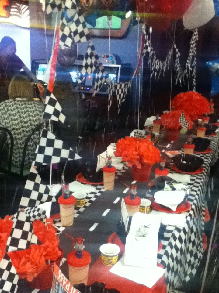 My Cars Party table at Chuck E Cheese | Cars Party | Cars ...
