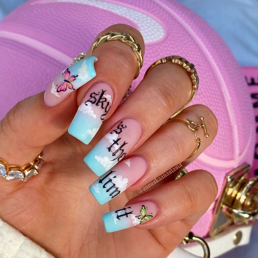 Keep Striving Babe On Thurs 28th May 5pm I Ve Got A Masterclass Teaching How To Smash The Hand In 2020 Bling Acrylic Nails Coffin Nails Designs Best Acrylic Nails