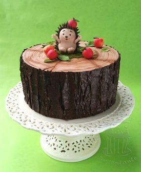 Motivtorte für Tortenkurs: Igel mit Äpfeln auf Baumstamm (Tortentantes Tortenwelt - DER Tortenblog mit Anleitungen und Tipps für Motivtorten)