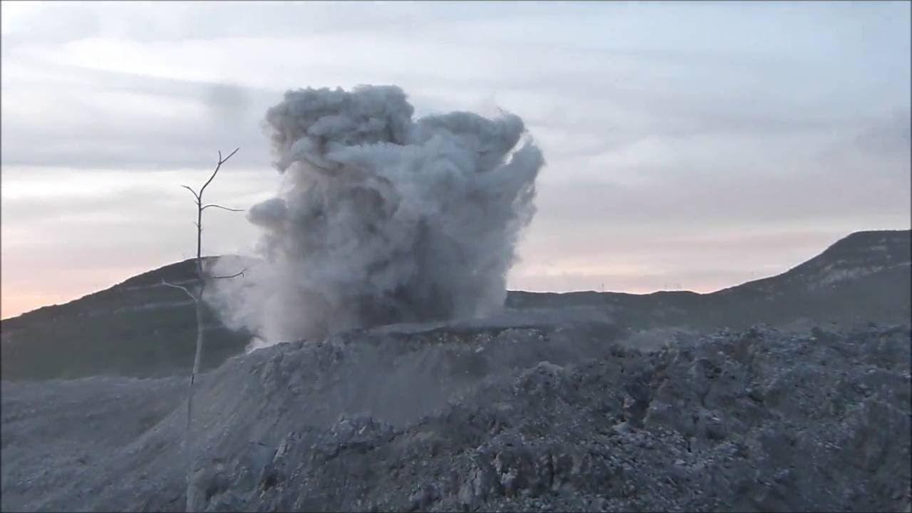 Ibu Volcano In Indonesia Volcanoes Fascinating Pinterest - Incredible neon blue lava flames erupt volcano
