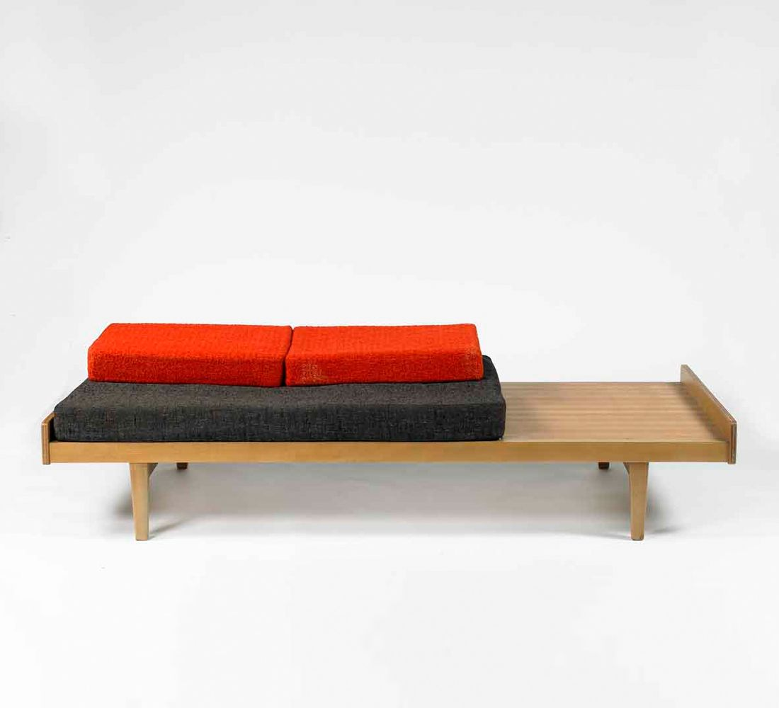 Meuble Cot Pierre Paulin Daybed For Meuble Tv C1953 Bedded