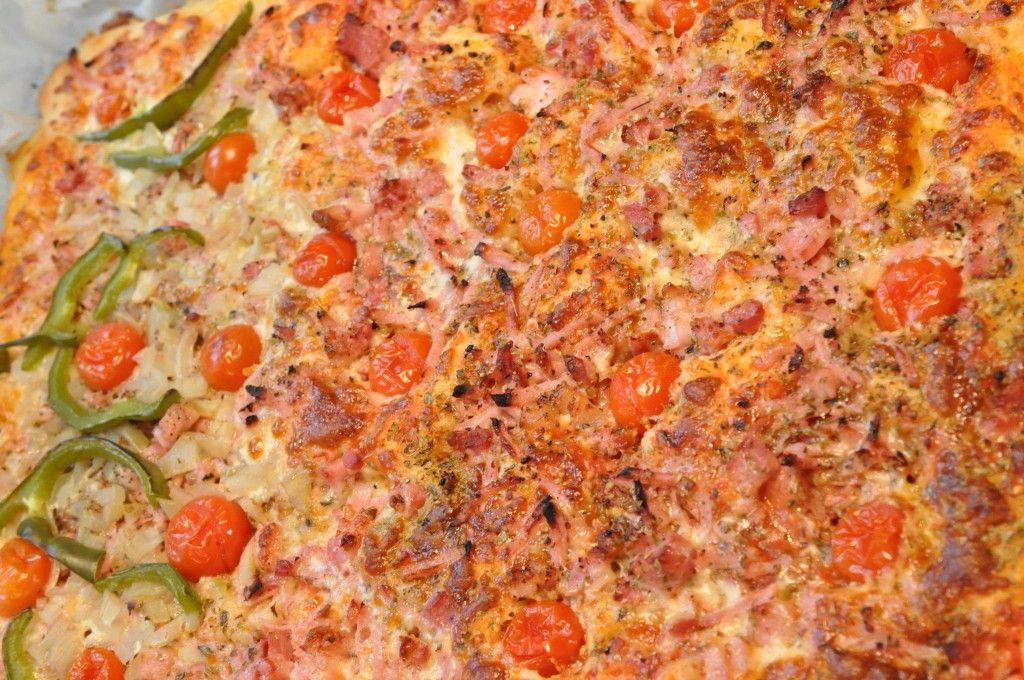 skinke pizzabrød pizza uden æltning pizza nem pizza hurtig pizza fastfood deep pan pizza cherrytomater Bacon  Hurtig deep pan pizza med bacon