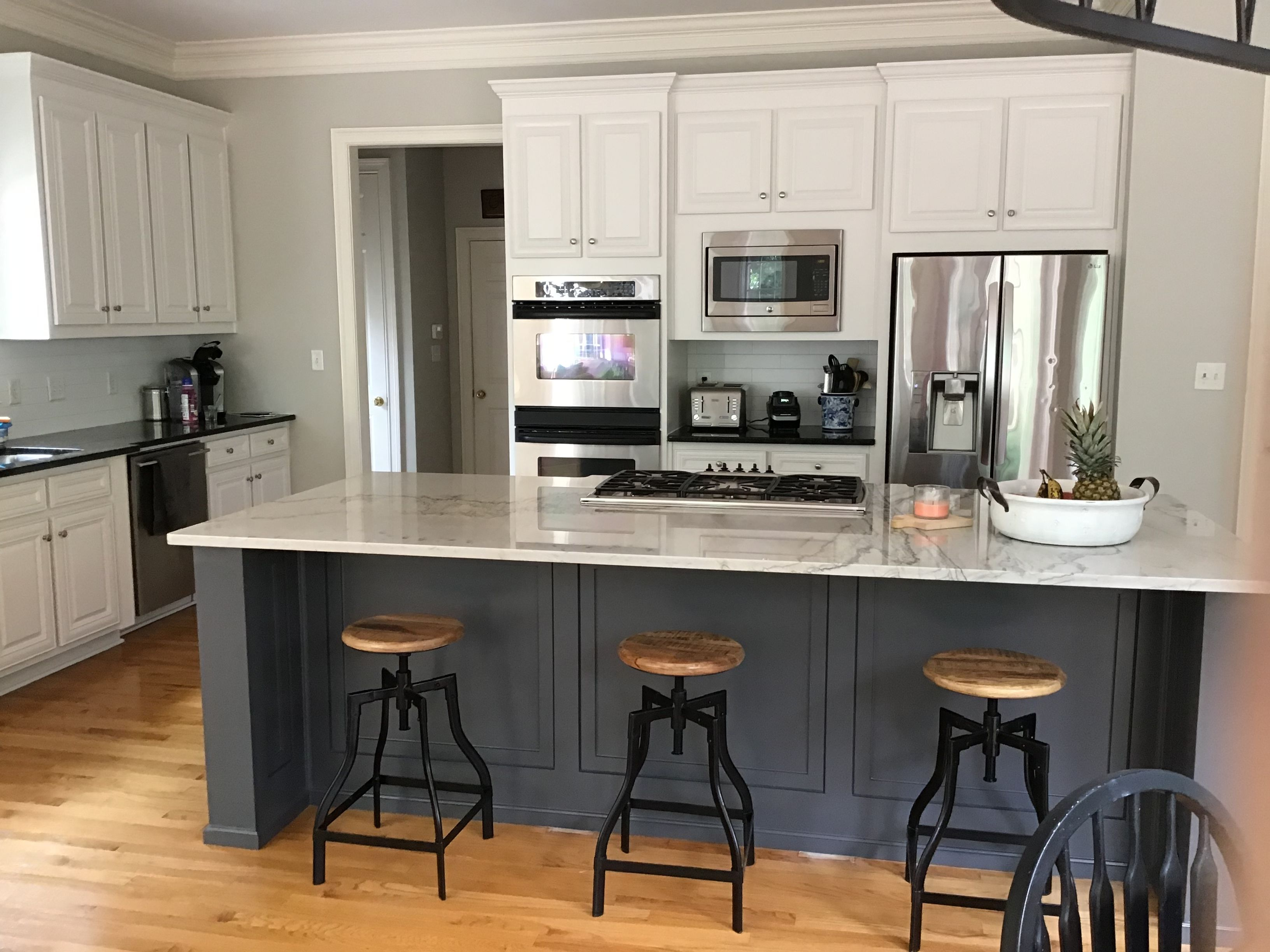 Kitchen Remodel In 2020 Grey Kitchen Walls Grey Kitchen Walls White Cabinets Painted Kitchen Cabinets Colors