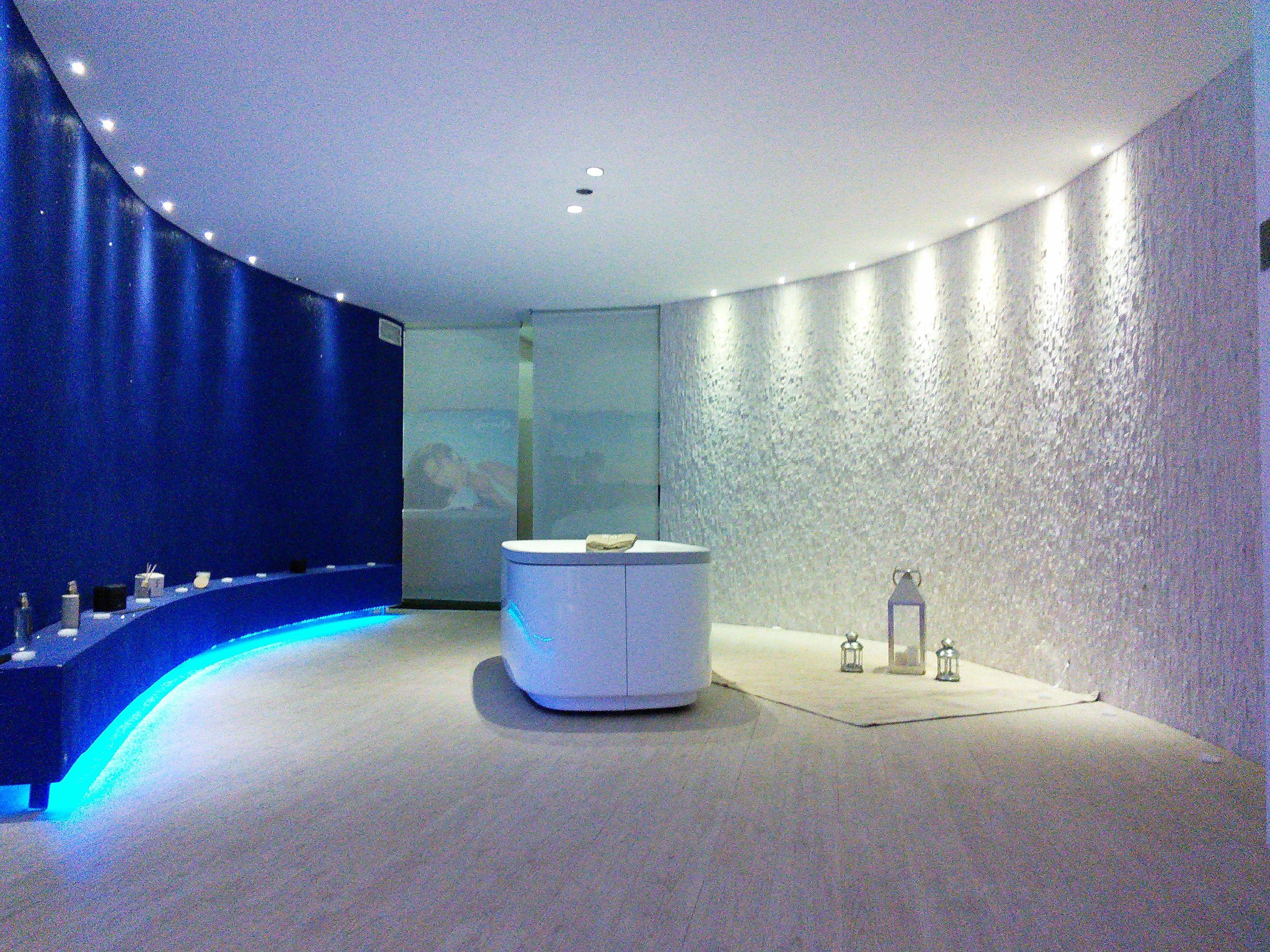 lighting design project - by romano baratta   Jacuzzi Store. Lecce ...