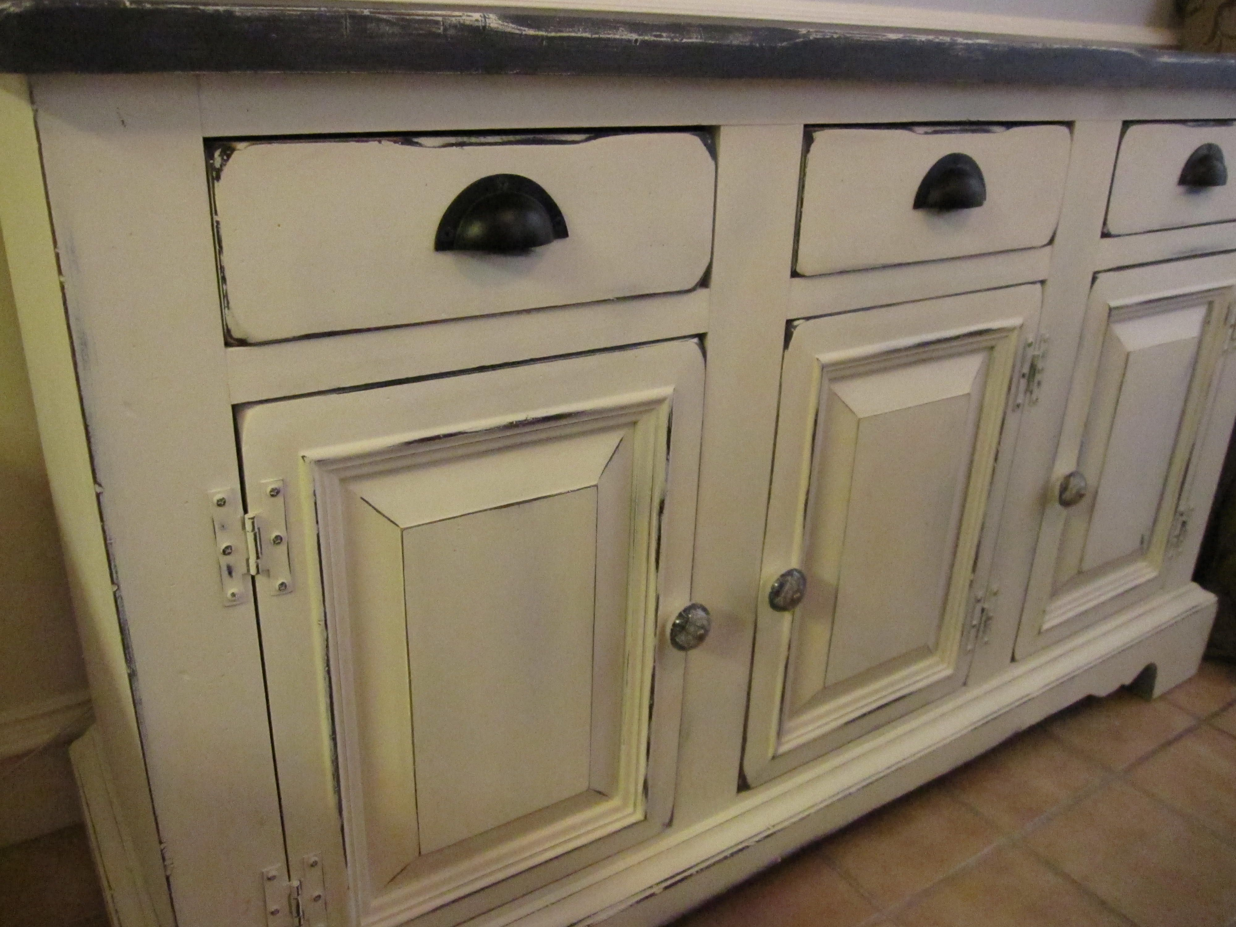 Annie Sloan Chalk Paint kitchen Cabinets - okay I am now hooked on ...