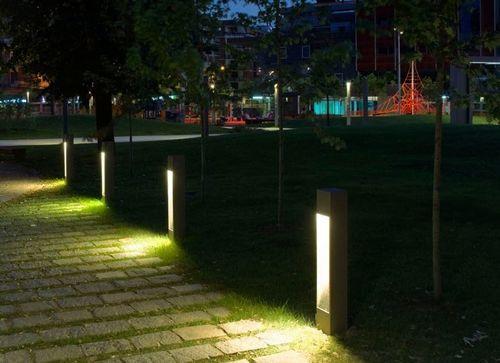 bollard lights modern landscape
