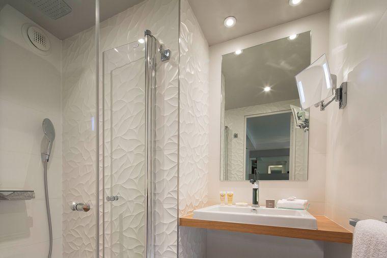 Une salle de bain zen et déco de 6m²  exemple à suivre Maison II