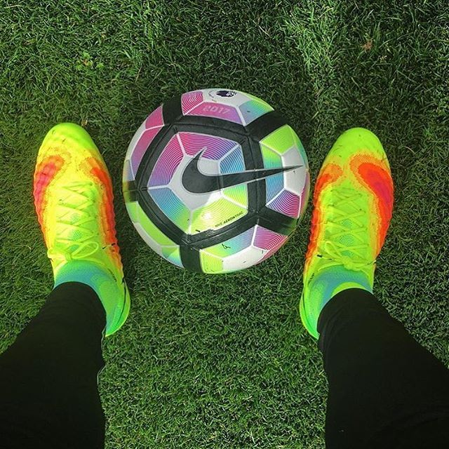 innovative design 32523 cba09 Probably one of the best looking boot and ball combo  📸  kimfootball