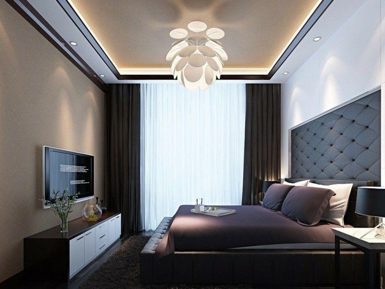 Die moderne Decke im Schlafzimmer und im Wohnzimmer