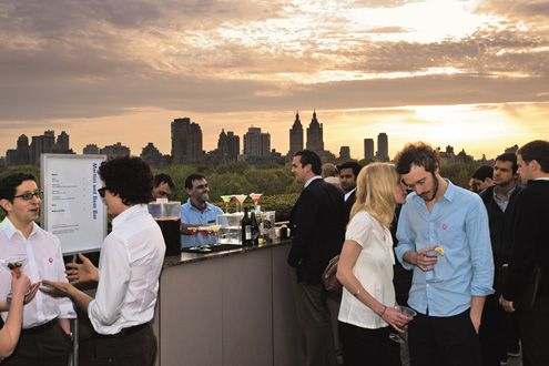 Rooftop Bar On Top Of The Met Best View Of The Sunset Super Romantic With Images Rooftop Bars Nyc Best Rooftop Bars Roof Garden