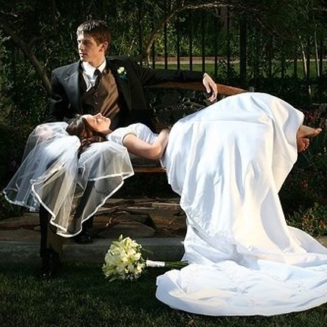 Wedding Poses: Must Have Wedding Pictures